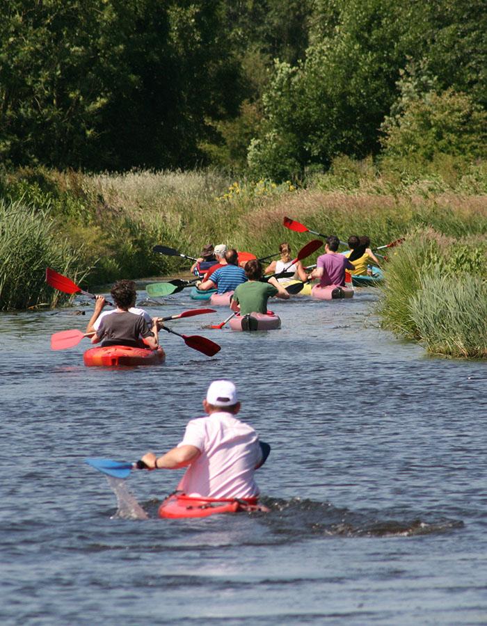 kanoverhuur, teamuitje, dagje op stap, Kanoën in de polder, in het groen, in midden-delfland, delft